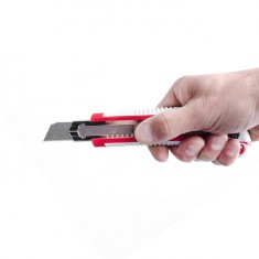 3 snap-off blade knife 18 mm, with metal guide, anti-slip body INTERTOOL HT-0508: фото 6